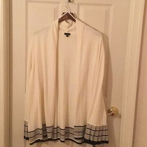 Sweater, open, pleated at cuffs